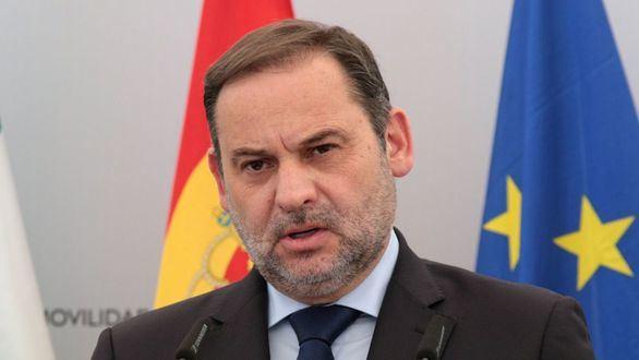 Sánchez lamina a Ábalos y maniobra para controlar más el PSOE