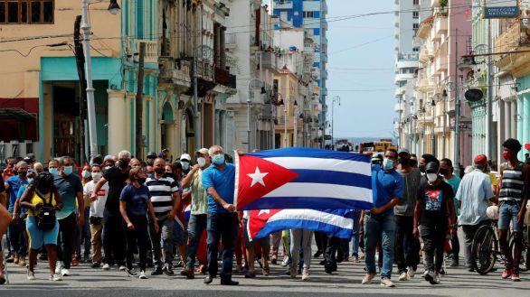 Fuerte despliegue policial y apagón infomativo en Cuba un día después de las protestas