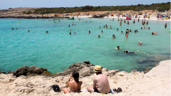 Reino Unido vuelve a poner Baleares en su lista ámbar de destinos turísticos