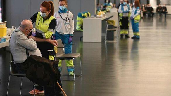 Centro de vacunación en el Wanda Metropolitano de Madrid.