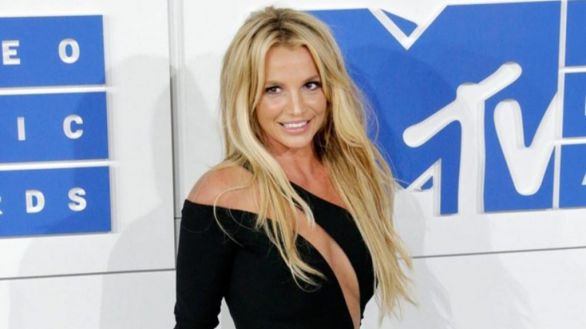 Britney Spears no volverá a los escenarios hasta que su padre deje de controlarla