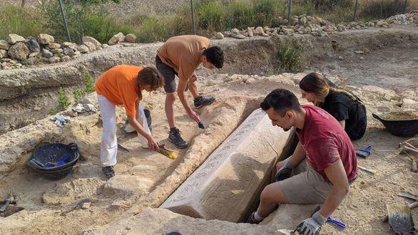 Hallado en una localidad de Murcia un sarcófago de la época visigoda