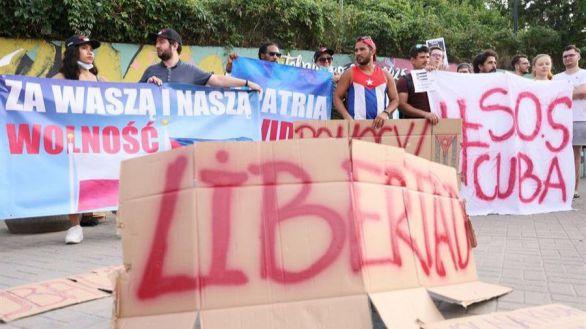 Cuba libera a la periodista colaboradora de 'ABC' arrestada tras las protestas