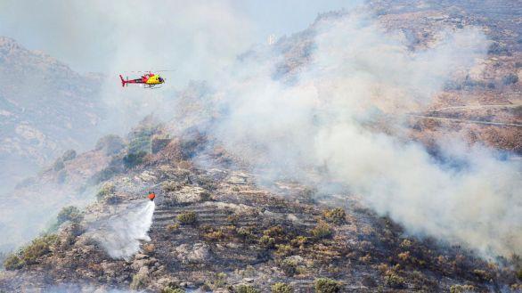 Los bomberos dan por extinguido el incendio del Cap de Creus