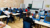 Profesionales del Santander imparten un taller de educación financiera en la cárcel de Burgos