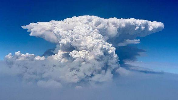 El inmenso incendio 'Bootleg' es tan poderoso que genera su propio clima