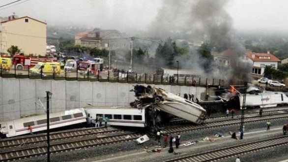 Abren juicio al maquinista y al exdirector de Seguridad por el accidente del Alvia en 2013