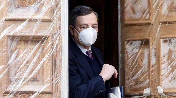 Draghi emula a Francia: exigirá el certificado covid para entrar a bares y restaurantes