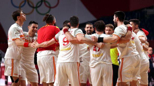 Los 'Hispanos' arrancan con un agónico triunfo sobre Alemania  27-28