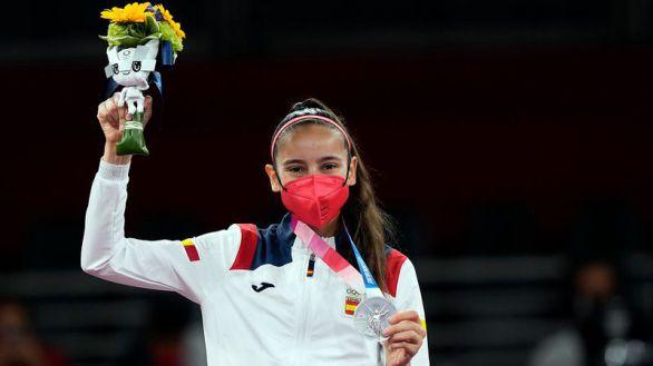 Adriana Cerezo, con 17 años, primera plata para España