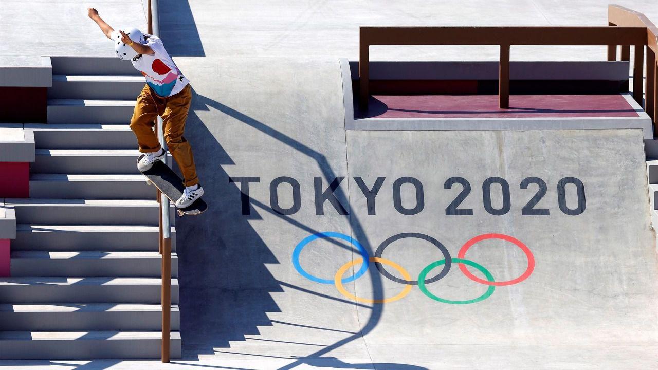 Nishiya y Leal, ambas de 13 años, primer oro y plata en skate femenino de la historia