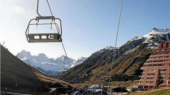 Candanchú pone en alerta económica al Valle del Aragón al anunciar su cierre