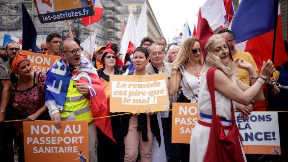 Francia ha vacunado a la mitad de su población