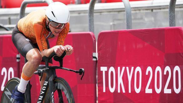 Van Vleuten se redime del error de la prueba en ruta con el oro contrarreloj