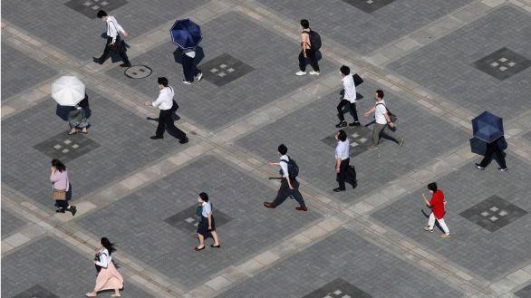 Japón prolonga la alerta por coronavirus en Tokio y la amplía a más regiones