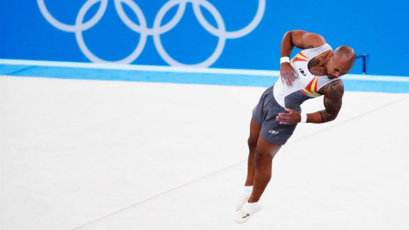 Ray Zapata, medalla de plata en suelo