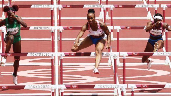 Camacho-Quinn da a Puerto Rico un oro en los 100 metros vallas