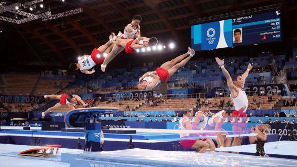 El surcoreano Shin Jea-hwan salta hacia el oro