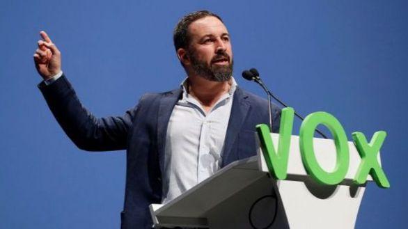 Vox acusa a Sánchez de 'blanquear al golpismo' con las transferencias a Cataluña
