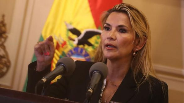 La justicia de Bolivia prorroga por seis meses la prisión preventiva de la expresidenta Áñez