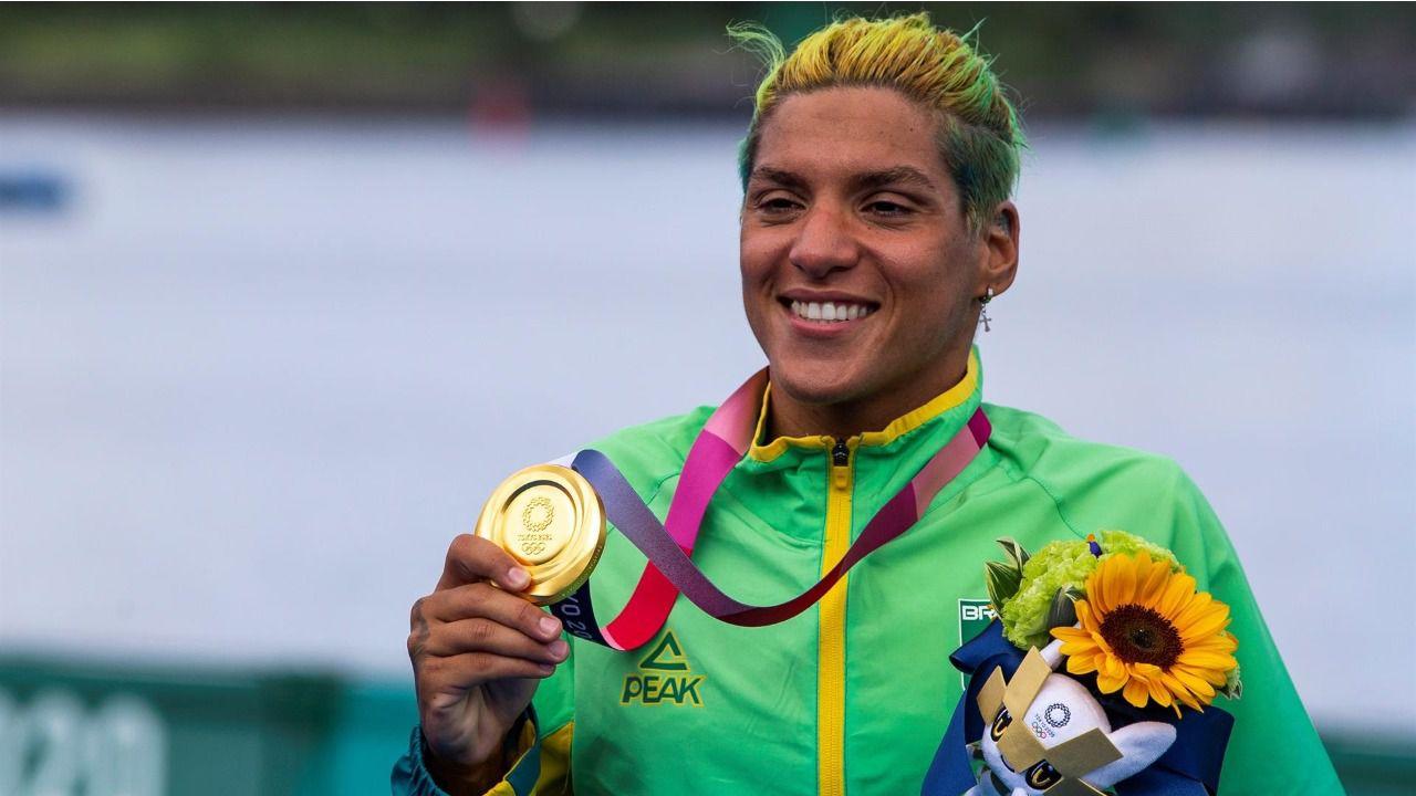 Oro en natación de aguas abiertas para la brasileña Cunha