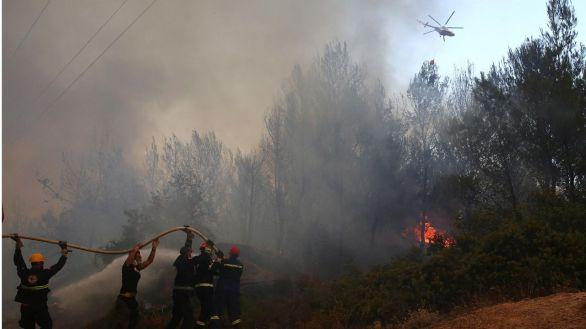 Los incendios arrasan el sureste de Europa en la peor ola de calor extremo en 40 años