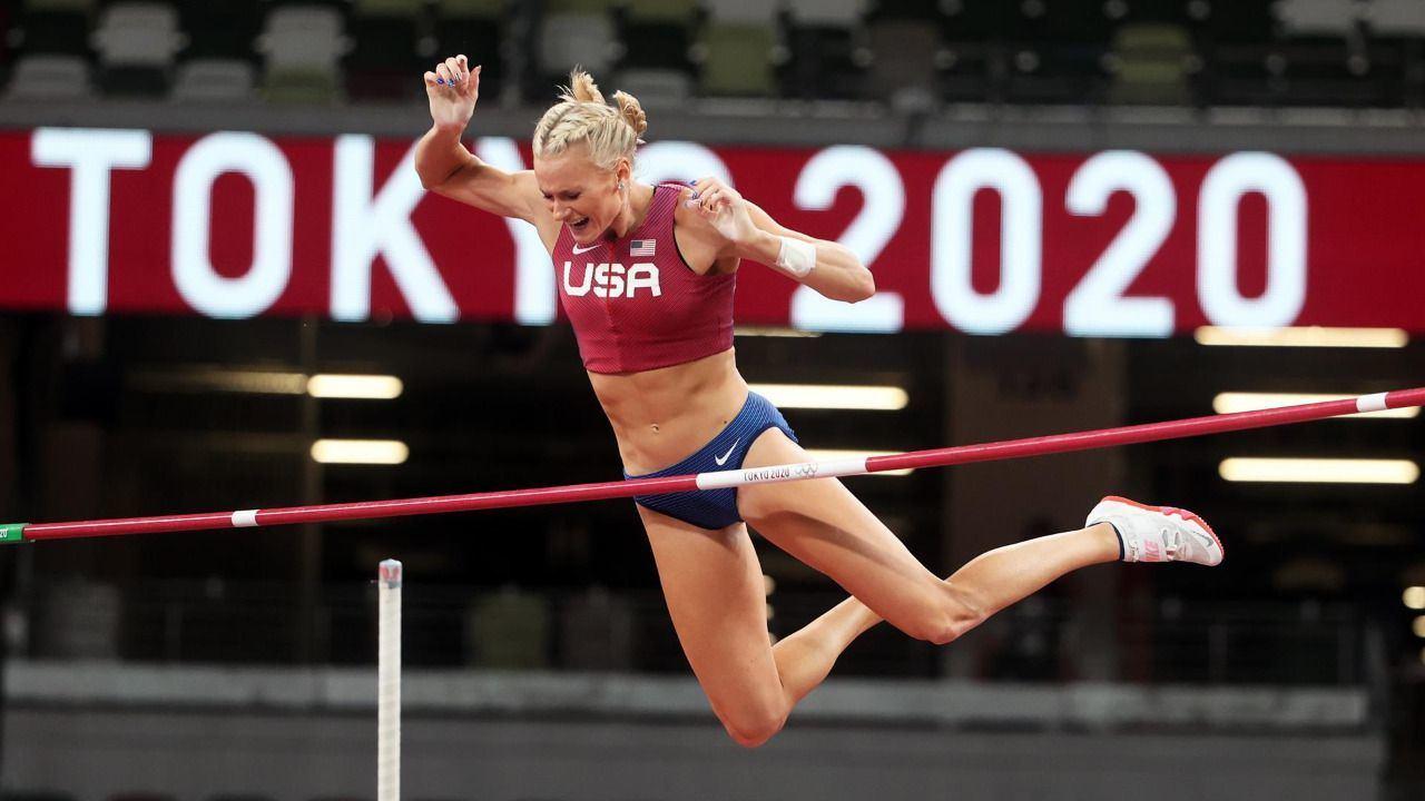Nageotte pone a Estados Unidos con tres oros de seis en pértiga