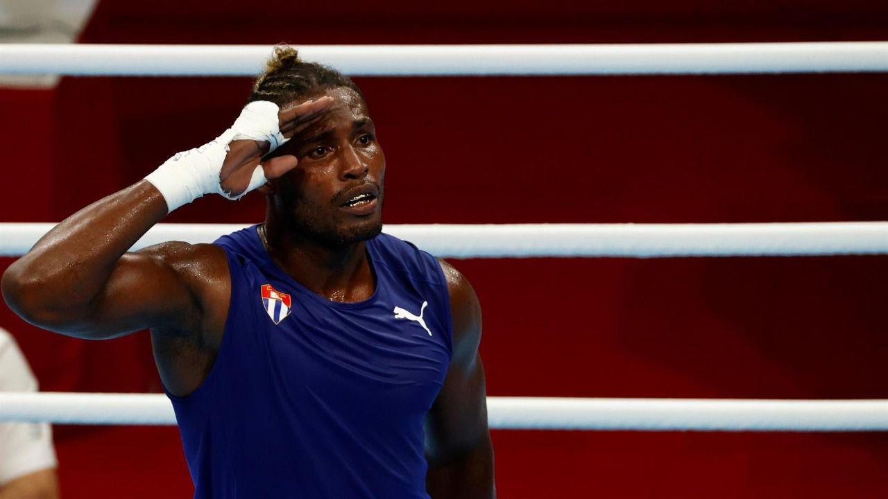 El cubano La Cruz gana el título olímpico de peso pesado