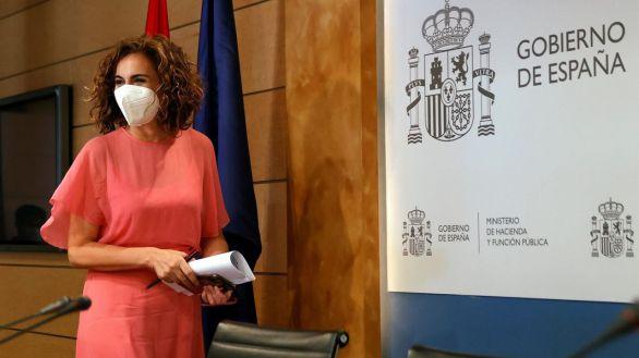 Montero, después de dos años de gobierno, culpa a Rajoy y Aznar del precio de la luz