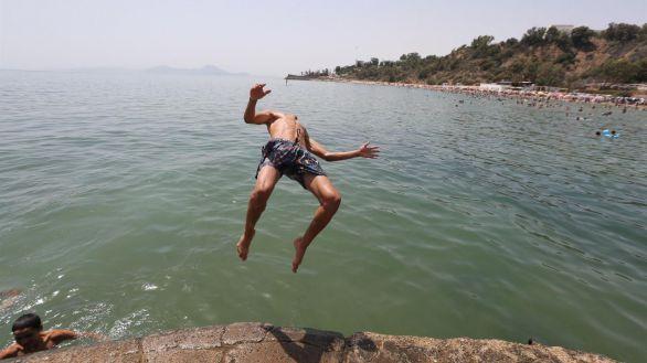 El calor ahoga al Mediterráneo, con temperaturas récord de más de 50 grados