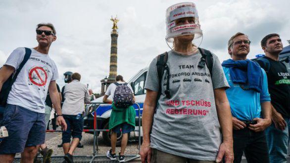 Una enfermera alemana, acusada de 'vacunar' con una solución salina a 8.500 personas
