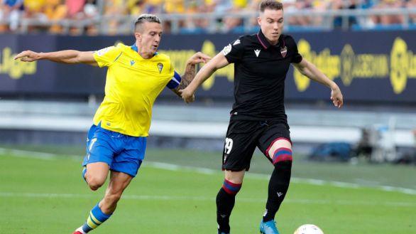 El Cádiz logra en el descuento el empate ante el Levante |1-1