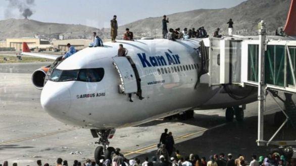 La situación en el aeropuerto de Kabul se estabiliza: