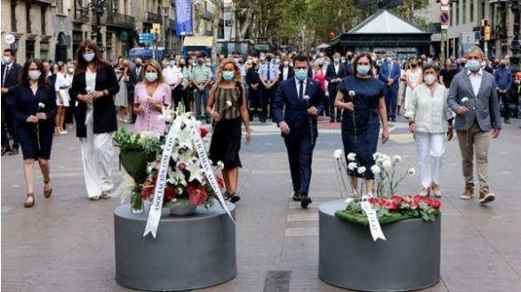 Sobrio y emotivo homenaje a las víctimas del 17A en el cuarto aniversario del atentado