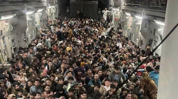 Estados Unidos logra evacuar de Kabul a 3.000 personas en solo 24 horas