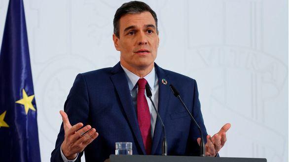 Ante la avalancha de críticas por su inacción, Sánchez vuelve a la Moncloa el viernes