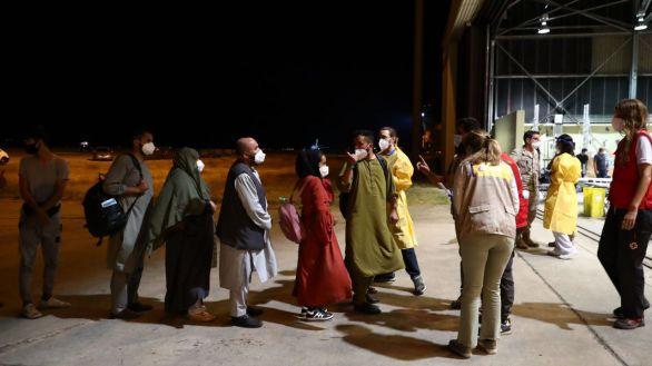 Los afganos evacuados serán alojados tres días en un campamento militar en Torrejón