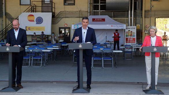 Sánchez se exhibe, rodeado por la cúpula de la UE, ante su campamento de refugiados