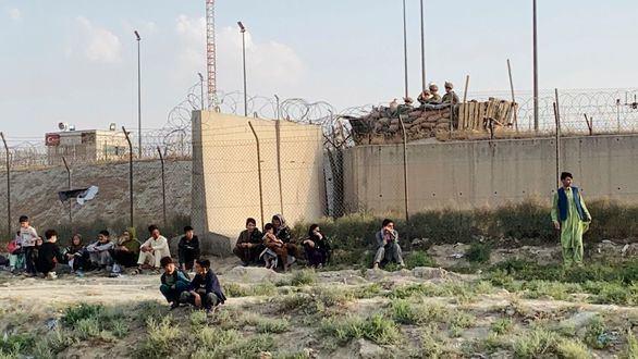Francia y Reino Unido piden una zona segura en el aeropuerto de Kabul bajo control de la ONU