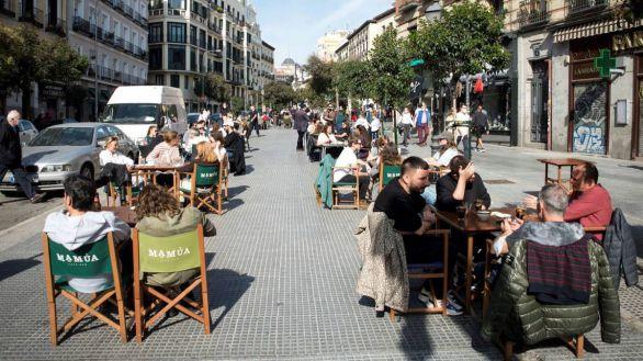 La Comunidad de Madrid relaja las restricciones en los sectores hostelero y cultural