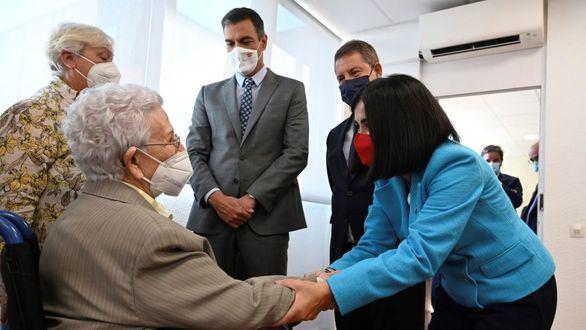 Sánchez presume de lograr el hito del 70% de la población vacunada y pide el 90%