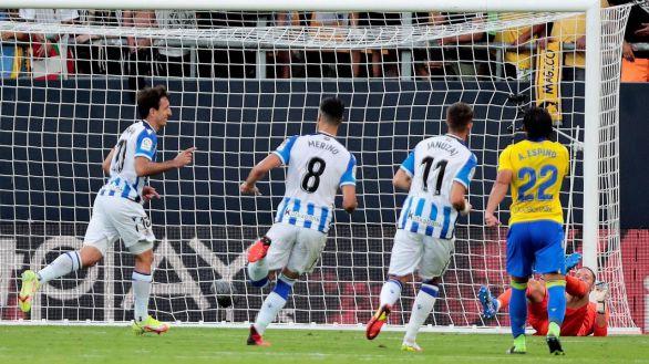 Oyarzabal eleva a la Real Sociedad sobre el Cádiz |0-2