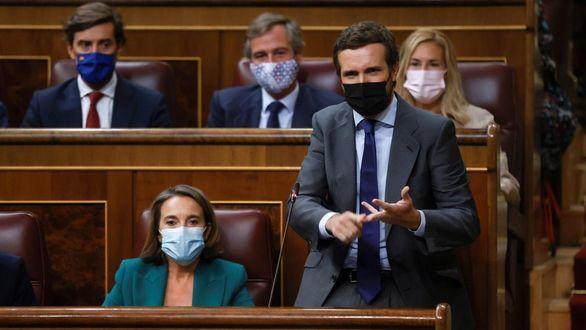 Sánchez y Casado inauguran el curso político con un bronco rifirrafe