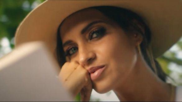 Sara Carbonero protagoniza el videoclip de