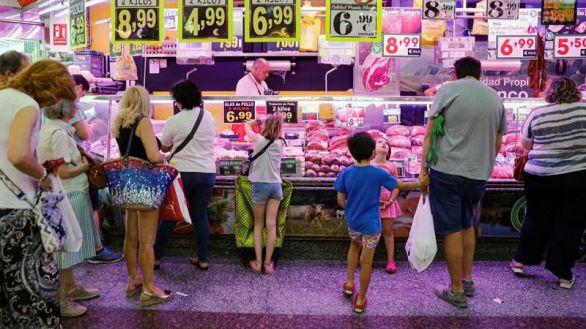 El panel de Funcas revisa cinco décimas al alza la inflación hasta el 2,4%