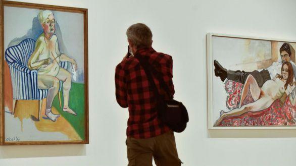 El Museo Guggenheim Bilbao ha presentado este jueves la exposición retrospectiva de la artista estadounidense Alice Neel, con casi un centenar de pinturas, dibujos y acuarelas, incluyendo sus retratos más impactantes.
