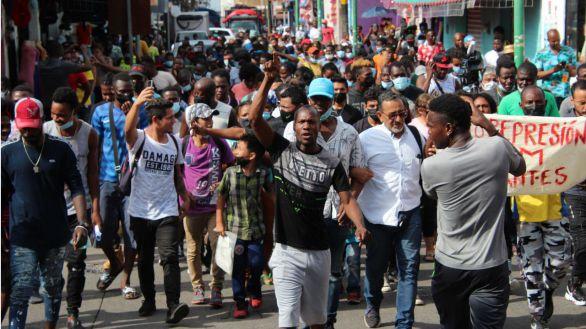 EEUU prepara vuelos de deportación a Haití tras un cruce masivo en la frontera con México