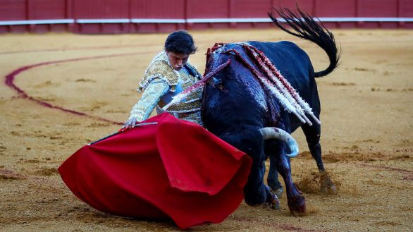 Vuelta de los toros a Sevilla en una jornada repleta de festejos triunfales