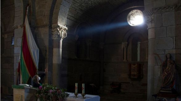 Luz equinoccial, la astrofísica del medievo que ilumina un templo jacobeo