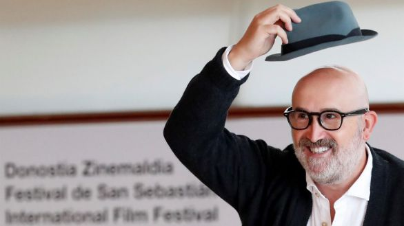 El actor Javier Cámara posa durante la presentación de las nuevas series de HBO dentro de la 69 Edición del Festival Internacional de Cine de San Sebastián.
